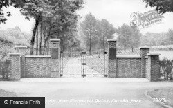 Swadlincote, New Memorial Gates, Eureka Park c.1955