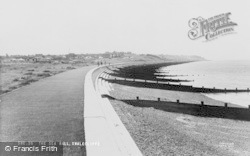 The Sea Wall c.1955, Swalecliffe