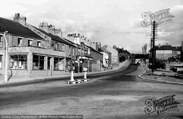 Photo of Swallownest, Worksop Road c1950, ref. S330004