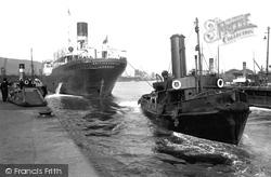 Swansea, Oil Tanker With Tug, King's Dock 1925