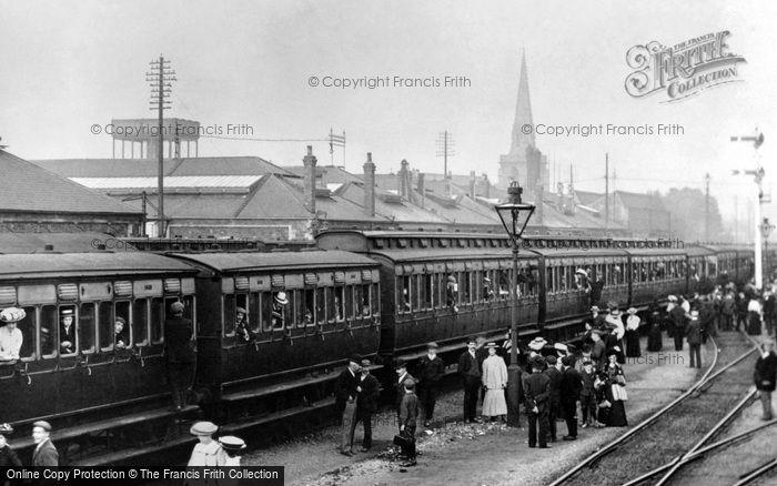 Photo of Swindon, G.W.R. Works Trip Train c.1913