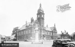 Swindon, The Town Hall c.1955