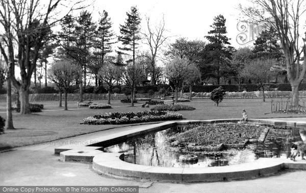Swindon, Town Gardens C.1950