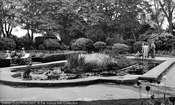 Swindon, Town Gardens C.1955