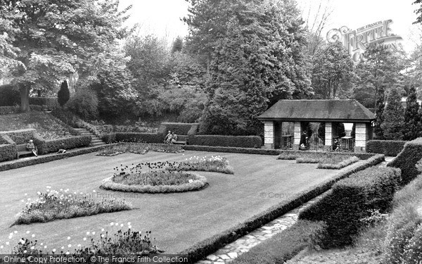 Swindon, Town Gardens, Entrance To The Concert Bowl C.1955