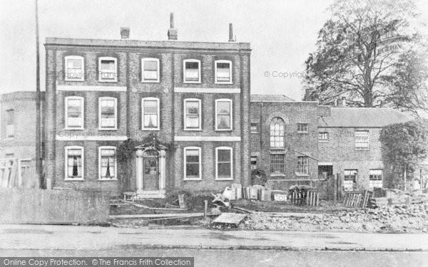 Photo of Sydenham, The Old House, Sydenham Road c.1900