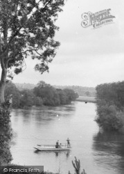 Symonds Yat, The Ferry At The Old Ferrie Inn 1931
