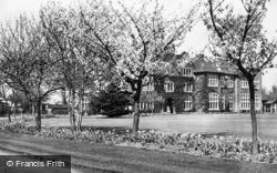 St Cross c.1955, Tadworth