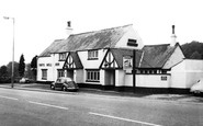 Taffs Well, Taffs Well Inn c1955