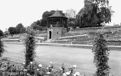 Tamworth, Castle Grounds c.1965