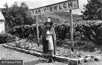 Tan-y-Bwlch, The Station Mistress 1937