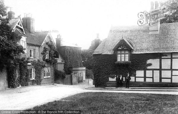 Taplow, the Village 1906