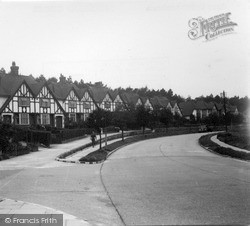 Great Tattenhams c.1955, Tattenham Corner