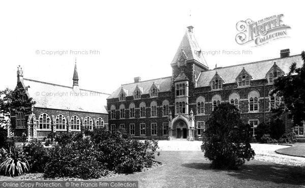 Kings College 1902, Taunton