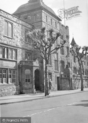 Taunton, Municipal Buildings c.1939