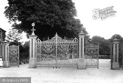 Park Gates 1906, Taunton