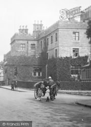 Tavistock, Horse And Trap 1922