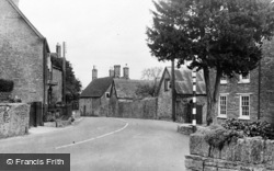 Templecombe, The Old Yew Tree c.1955