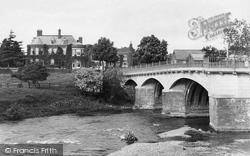 Tenbury Wells, Swan Hotel And Teme Bridge 1898