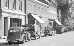 Tenbury Wells, Teme Street, Cars c.1955