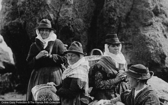 Photo of Tenby, Llangwm Fishwives 1890