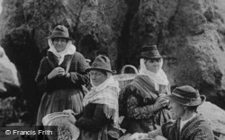 Llangwm Fishwives 1890, Tenby