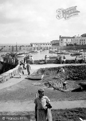 Tenby, The Harbour Wall 1950