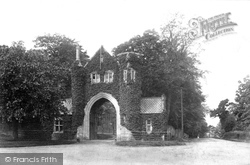 Tenterden, Heronden Hall Gateway 1900