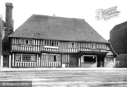 Tenterden, Old House In High Street 1900