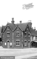 Tenterden, Old Toll House And Jail 1900