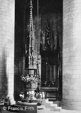 Tewkesbury, Abbey, Font and War Memorial 1923