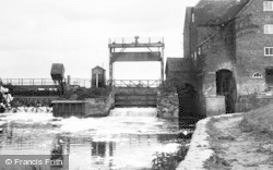 Tewkesbury, The Old Mill c.1955