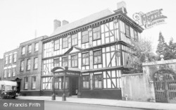 Tewkesbury, Tudor House Hotel c.1965