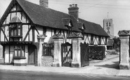 Thame, Entrance to Old Grammar School c1950