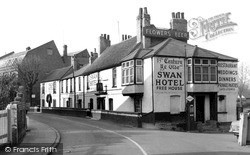 Thames Ditton, The Swan Hotel c.1955