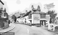 Thames Ditton, Ye Olde Swan Hotel c.1965