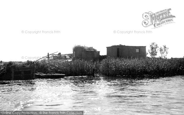 The Broads, An Eel Catcher's Hut c.1945