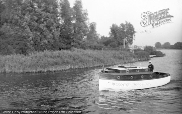Photo of The Broads, 'silver Spray' c.1933