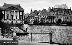 Hofvijver And Mauritshuis Museum c.1930, The Hague