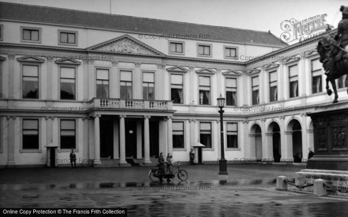 Photo of The Hague, The Royal Palace 1938