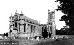 Theale, Holy Trinity Church c.1955