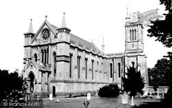 Theale, Holy Trinity Church c.1965