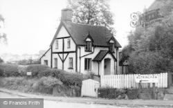 Thelwall, Bell Cottage c.1965