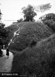Castle Hill 1949, Thetford