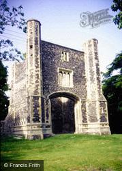 Priory, Gatehouse 1980, Thetford