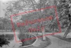 Spring Walk 1929, Thetford