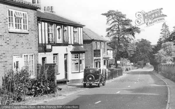 Theydon Bois © Copyright The Francis Frith Collection 2005. http://www.frithphotos.com