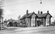 Thorney, the Rose and Crown Hotel c1955