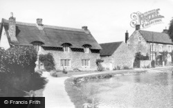 Thornton-Le-Dale, Cottages And River c.1955