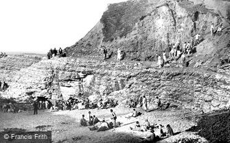 Thornwick Bay, the Rocks c1939